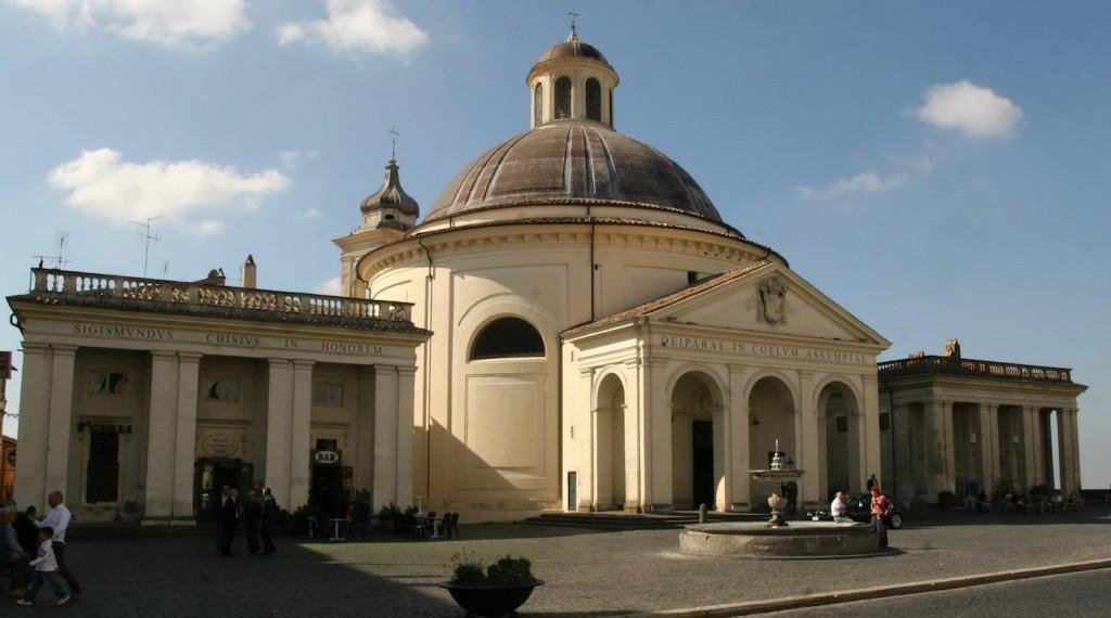 1-Ariccia-è-famosa-per-la-Chiesa-dellAssunzione-del-Bernini
