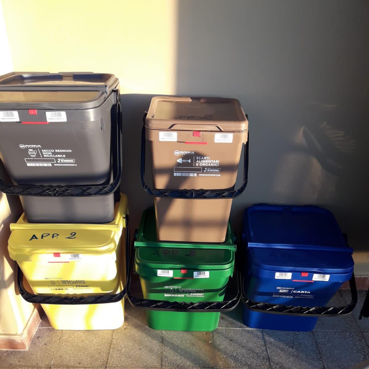 Affaldsspande til nyt affaldssystem